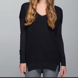 Lululemon The Sweater Life size 4
